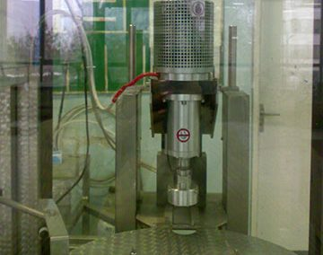 Модул за затваряне на бутилки
